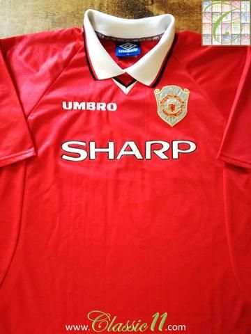4a575c090 Official Umbro Manchester United home European football shirt from the  1998/1999 season.