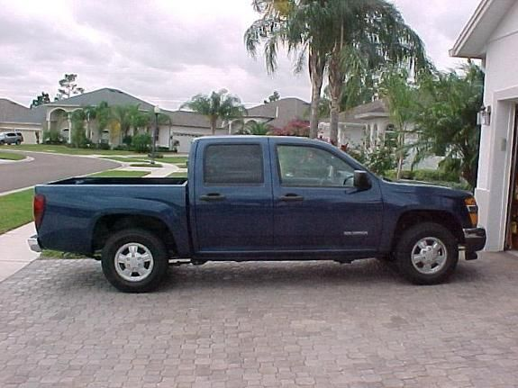 The Chevy Colorado Automatic With 4 Doors Midnight Blue Yes