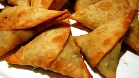 Samosas is a delicious food from Ethiopia. Learn to cook Samosas and enjoy traditional food recipes from Ethiopia.