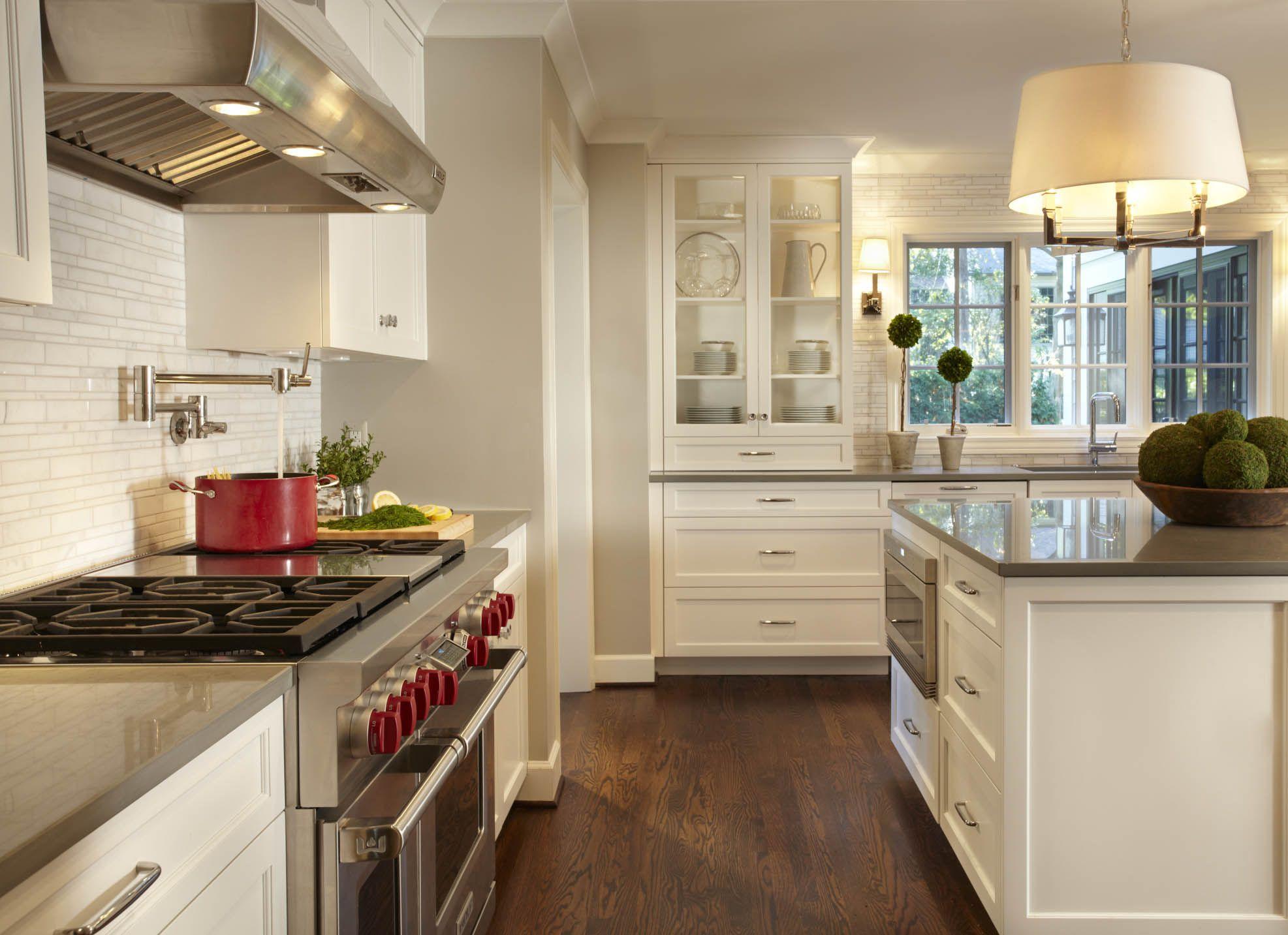 grey counter, pendant light | kitchen | Pinterest | Vitrinas, Diseño ...