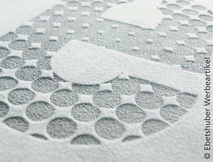 Cree originales texturas grabando fieltro con láser