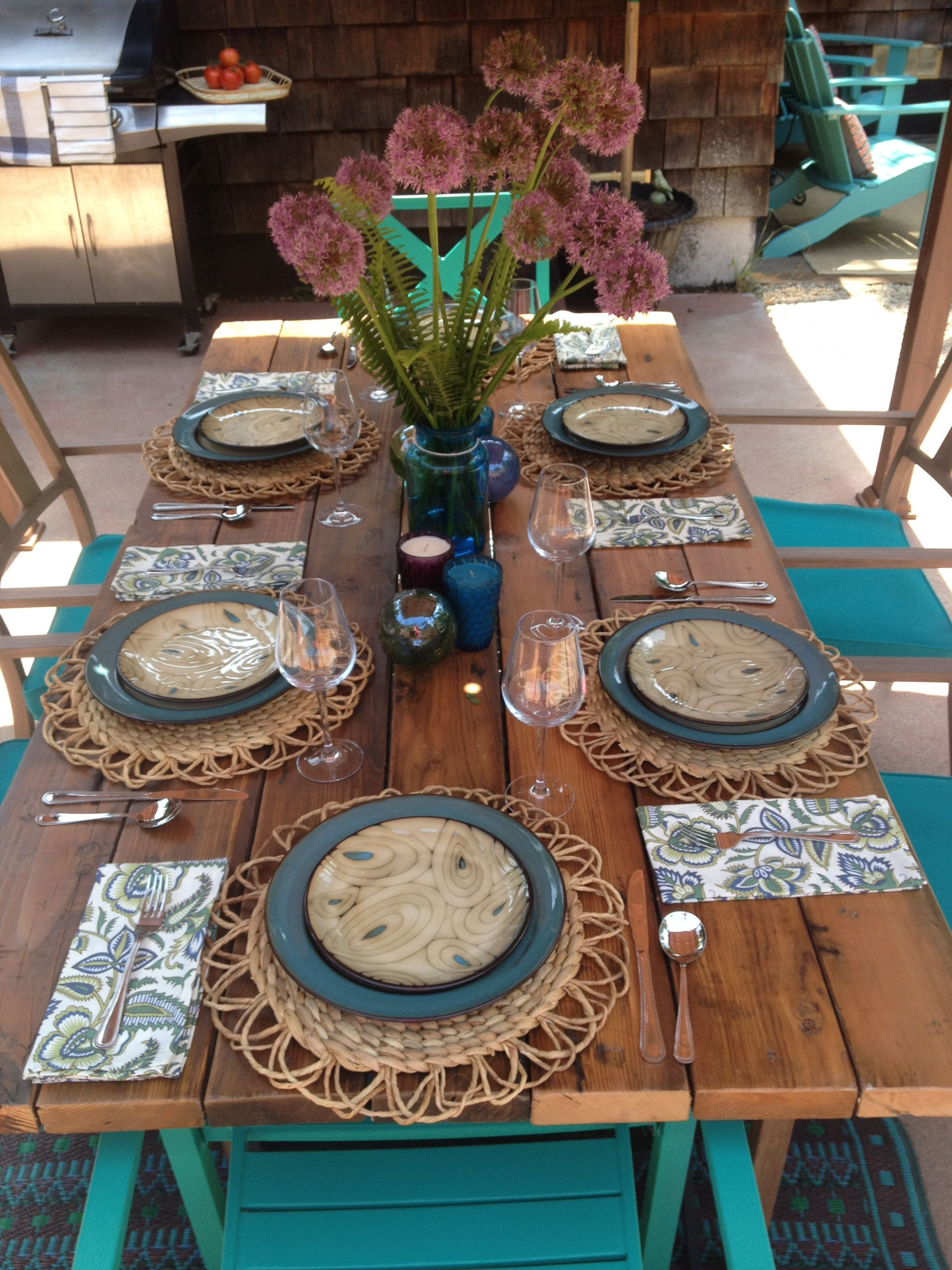 Reclaimed lumber table with rustic chic table setting #ihatemyyard ...