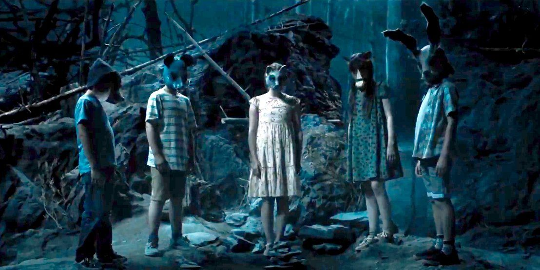 Stephen King S Creepy Pet Sematary Is Getting A Remake 30 Years After The Original Movie Watch The Chilling New Trailer With Images Pet Sematary Spooky Pictures Scary Films
