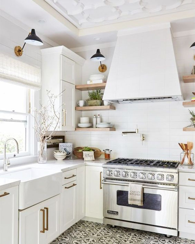 40 Best Modern Farmhouse Kitchen Decor Ideas And Design Trend In 2019 38 Googodecor Farmhouse Kitchen Design White Kitchen Floor Kitchen Flooring