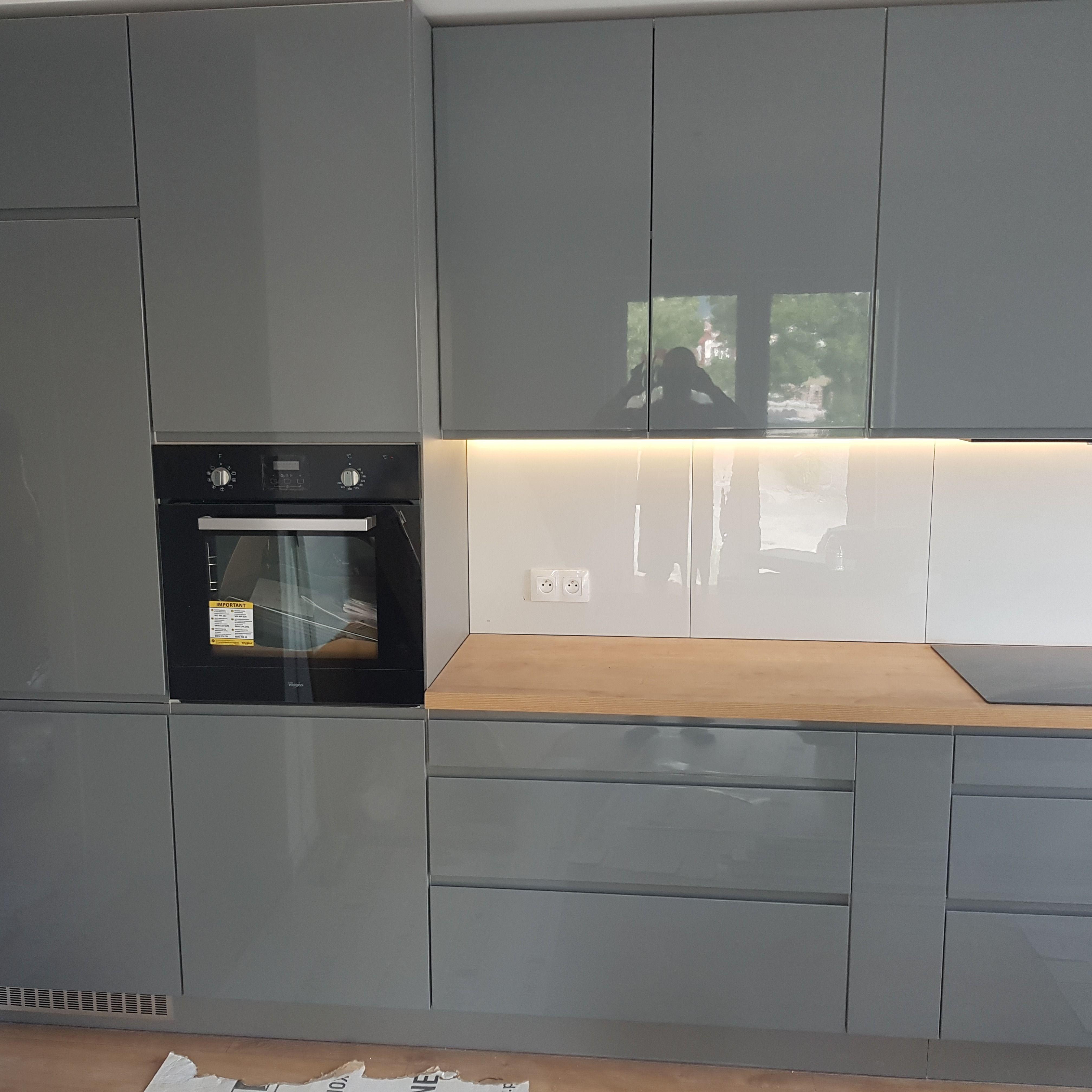 Kuchnia Szara Wysoki Polysk Kitchen Cabinets Home Decor Kitchen