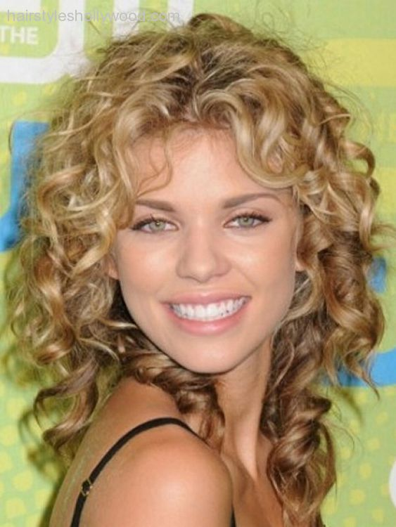 30 Seriously Cute Hairstyles For Curly Hair Mom Likes Pinterest
