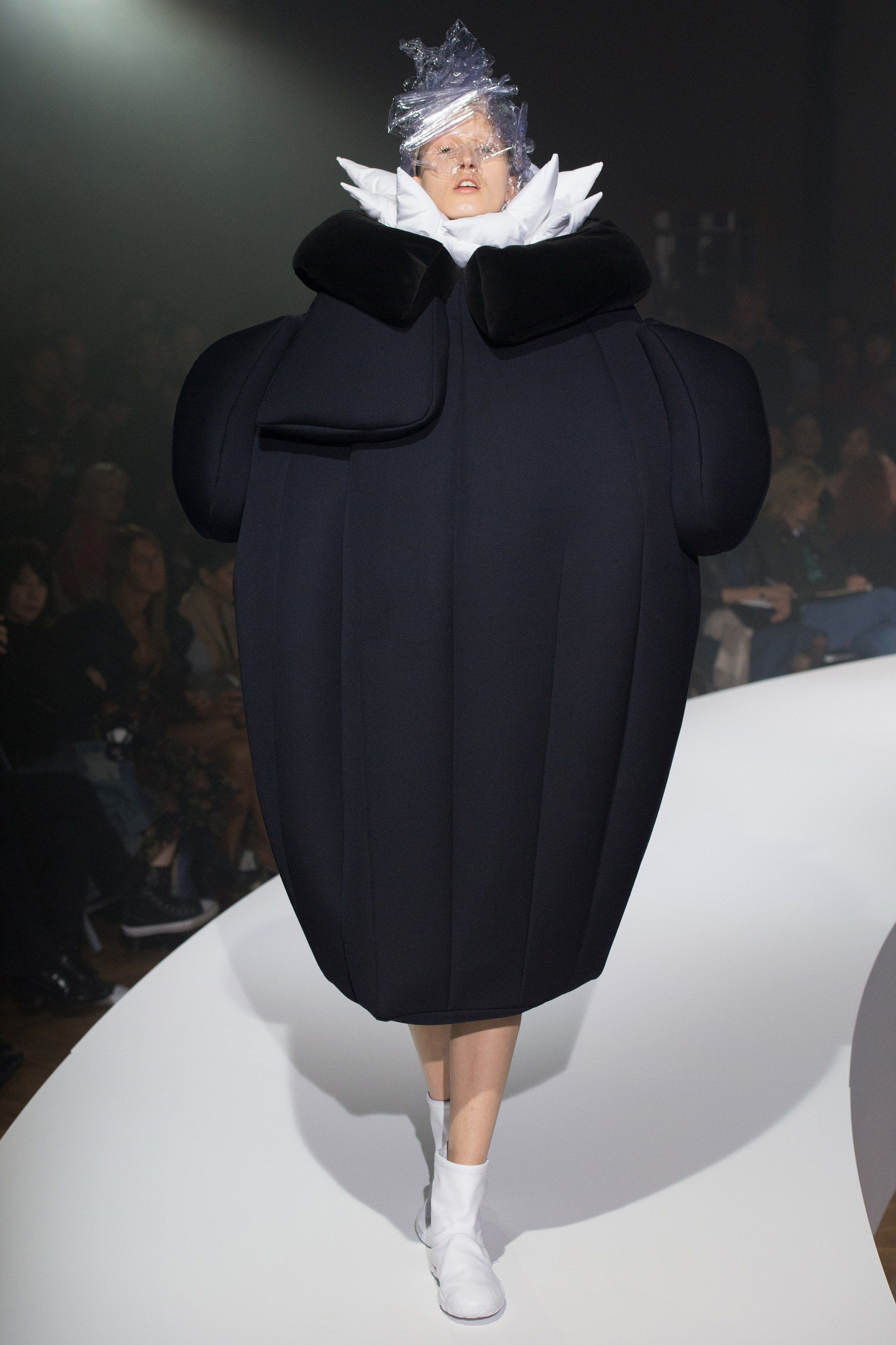 Comme des Garçons Spring 2017 Ready-to-Wear Fashion Show | Pinterest | Spring, Collection and ...