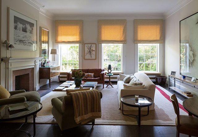 Comfortable and calm, exactly what home should be #ritakoniginteriors #newyork #interiors #interiordesign #home #decor #livingroom #living #textiles #light #style