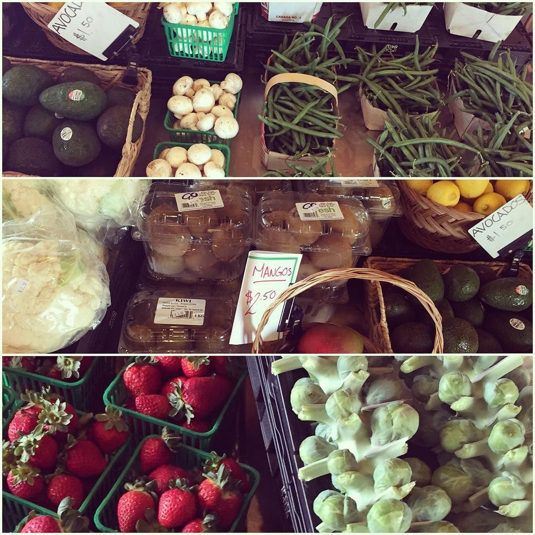 The market shelves are stocked beautifully stop in for fresh & healthy fruits & veggies. Open daily Tuesday-Sunday 11am-6pm. #teamleeandmarias #supportlocal #supportlocalfarmers #spreadthehealth