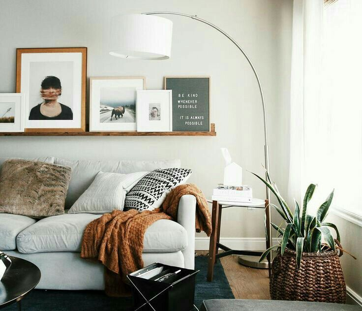 Since we don't have built in bookshelves, I'd love to display my framed pics on a floating shelf like this!