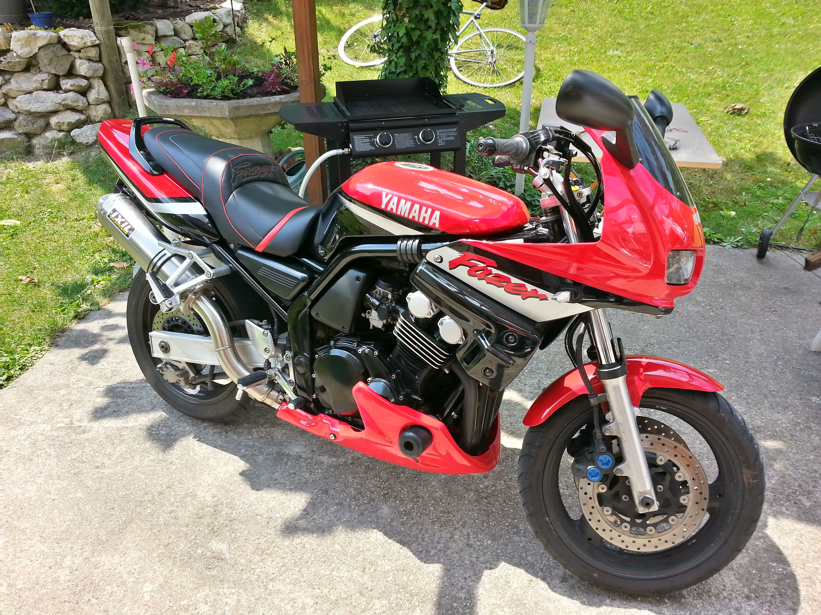 Yamaha fazer 600 home passions pinterest for Garage yamaha scooter
