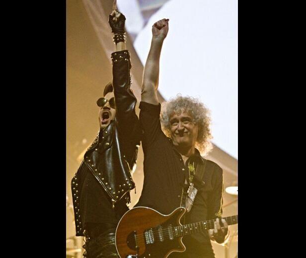"""@Queen_Dears - @DrBrianMay & @adamlambert Lambert live at Rexall Place Edmonton (une 24, 2014 pic.twitter.com/HW5P696MLg"" Punching the air!!"