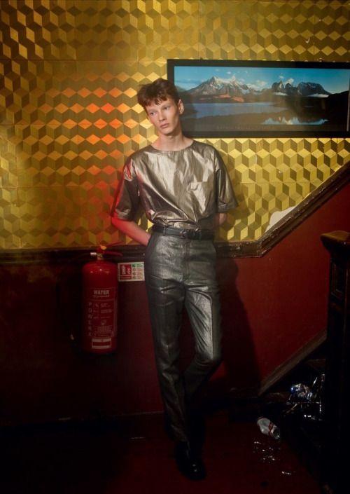Tom Poppleton ph Andreas Larsson - Purple Fashion Magazine