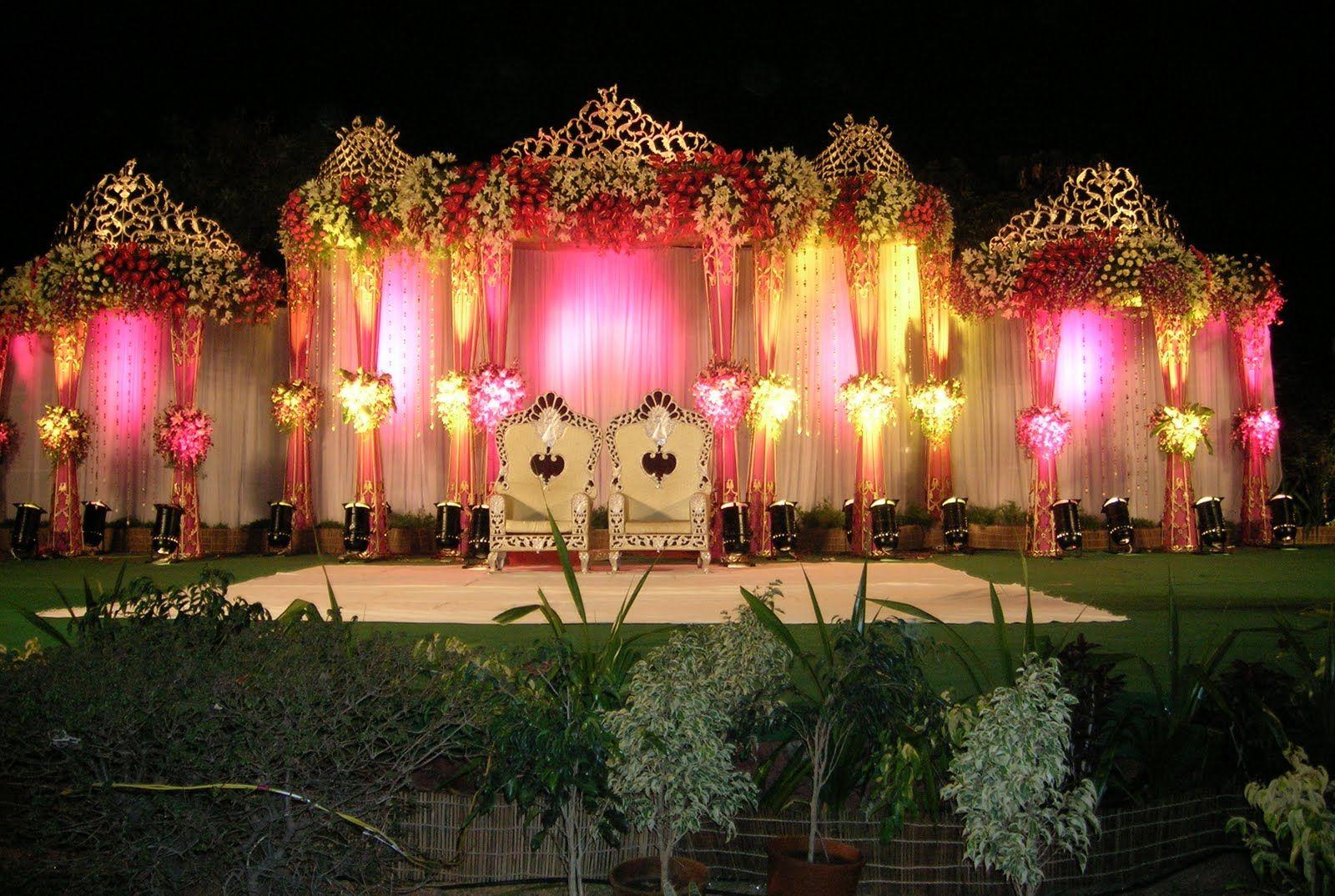 Outdoor Indian Wedding Stage Decorations | Wedding ...