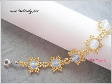 Snowflakes Moonstone Bracelet (XM0021)