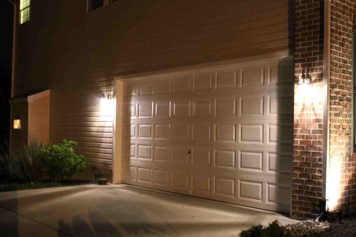 31 Best Garage Lighting Ideas (Indoor And Outdoor)   See You Car From New  Point   Interior Design Inspirations
