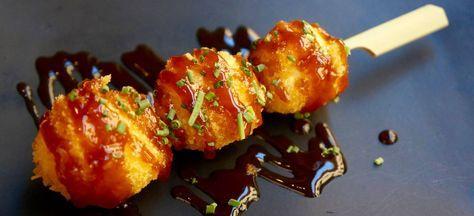 Kotoro es una nueva taberna japonesa de Barcelona, y sus brochetas uzura no tamago nos gustan tanto que les hemos robado la receta.