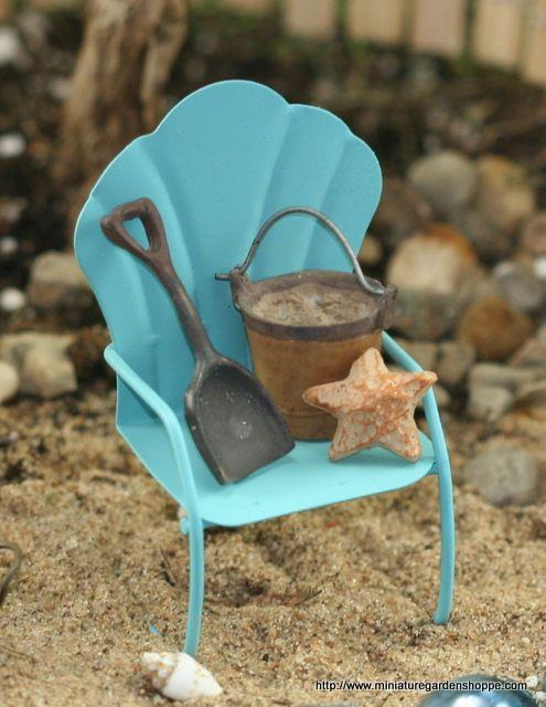 Gnome Garden: MiNiaTuRe BEaCH CHaiR W/ SaND PAiL, SaND SHoVeL