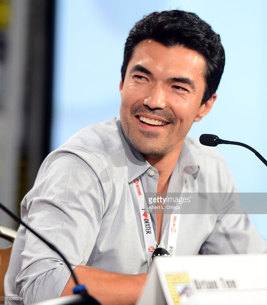 Actor Ian Anthony Dale participates in the 'Mortal Combat: Legacy' Season 2 Panel on Day 1 of the 2013 Comic-Con International held at San Diego Convention Center on Thursday July 18, 2012 in San Diego, California. Smile alert <3 <3 <3 <3