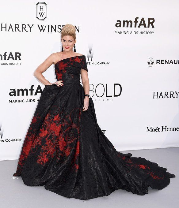 Hofit Golan wore a #MarioDice Fall 2016 red floral black gown to the #amfARCannes Cinema Against AIDS Gala. The Fashion Court (@TheFashionCourt) | Twitter