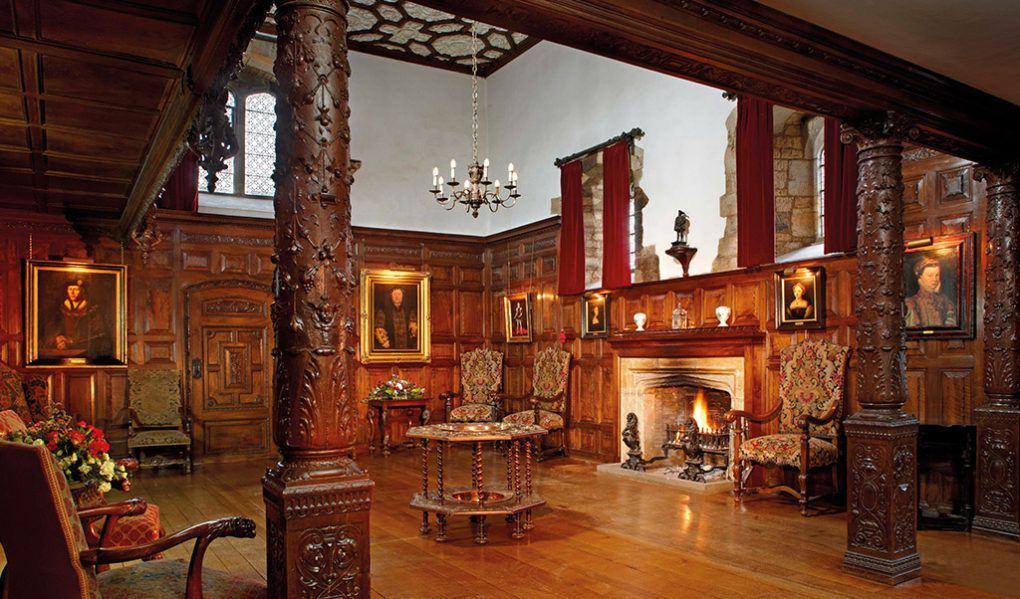 Hever Castle The Inner Hall Was Great Kitchen In Tudor Period Italian Walnut Panelling And Columns Were Designed 1905 As Part Of William