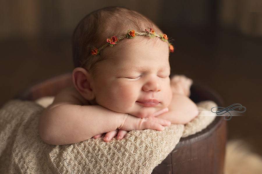 Specializes in newborn child baby fresh 48 hospital sessions and maternity photography in gainesville and north florida