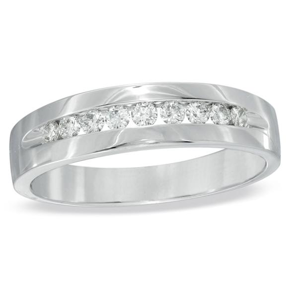 Men's 1/4 CT. T.w. Diamond Wedding Band in Platinum Mens