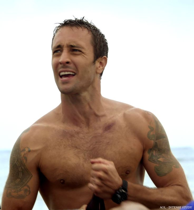 Can help Alex o loughlin nude
