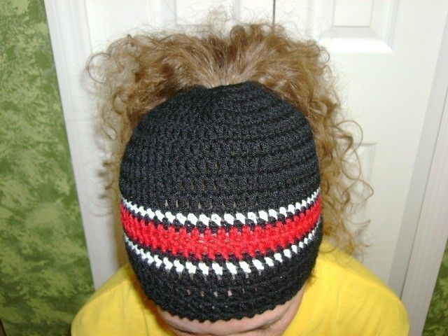 ponytail hat crochet pattern free - Buscar con Google | Hats ...