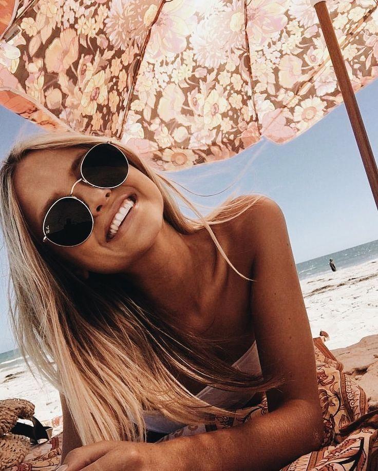 Fun & Creative Ideas for Beach Pictures | Kristen Duke Photography