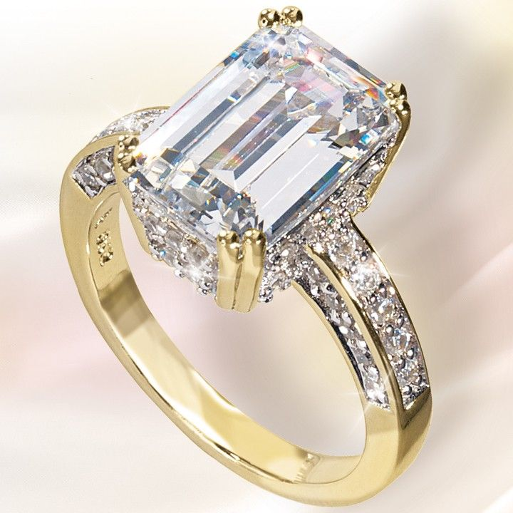 Gorgeous Emerald Cut Gold Ring