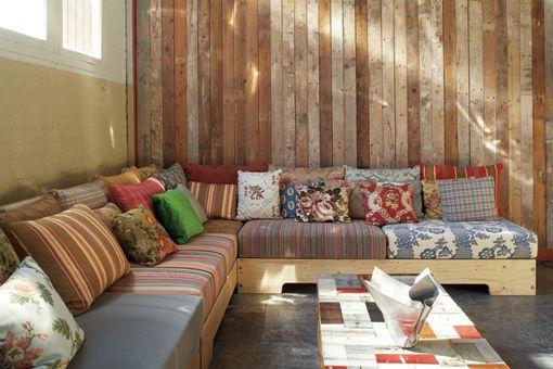 A reciclar pallets muebles muebles de madera for Sillones de madera reciclada