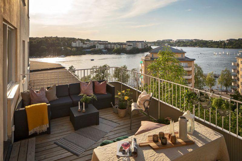 Dit ruime balkon terras van 17m2 maakt de 51m2 aan woonoppervlak helemaal goed!   Inrichting-huis.com