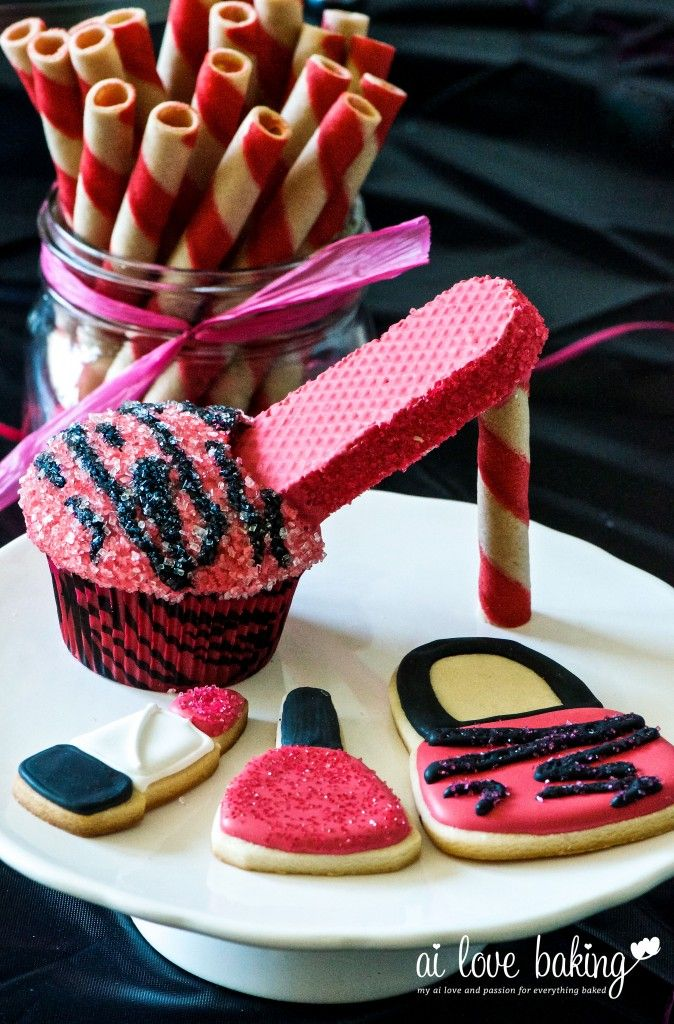 high heel cupcakes with matching purse and make up cookies
