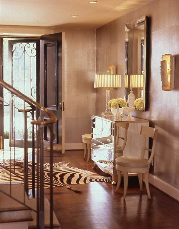 Luxuriöse Design Ideen Im Korridor Warme Farben Tischlampe Anrichte