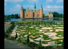 """Frederiksborg Castle claims the title of """"largest Renaissance castle in Scandinavia."""" Built in the early 1600s and situated in the nearby town of Hillerød, this magnificent palace is home to the Danish Museum of National History."""