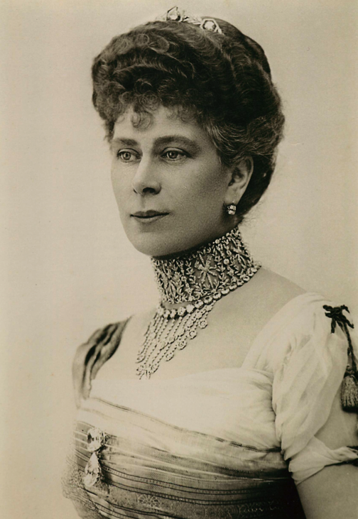 Queen Mary Grandmother Of Elizabeth Ii You D Never Imagine She Had Several Tattoos Hidden Away