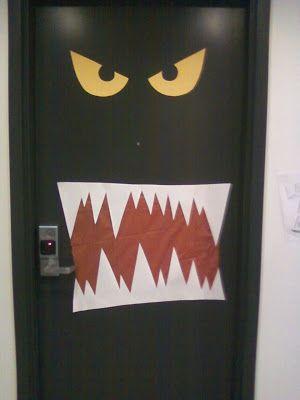 Puerta decorada de monstruo Halloween Office Pinterest Puertas