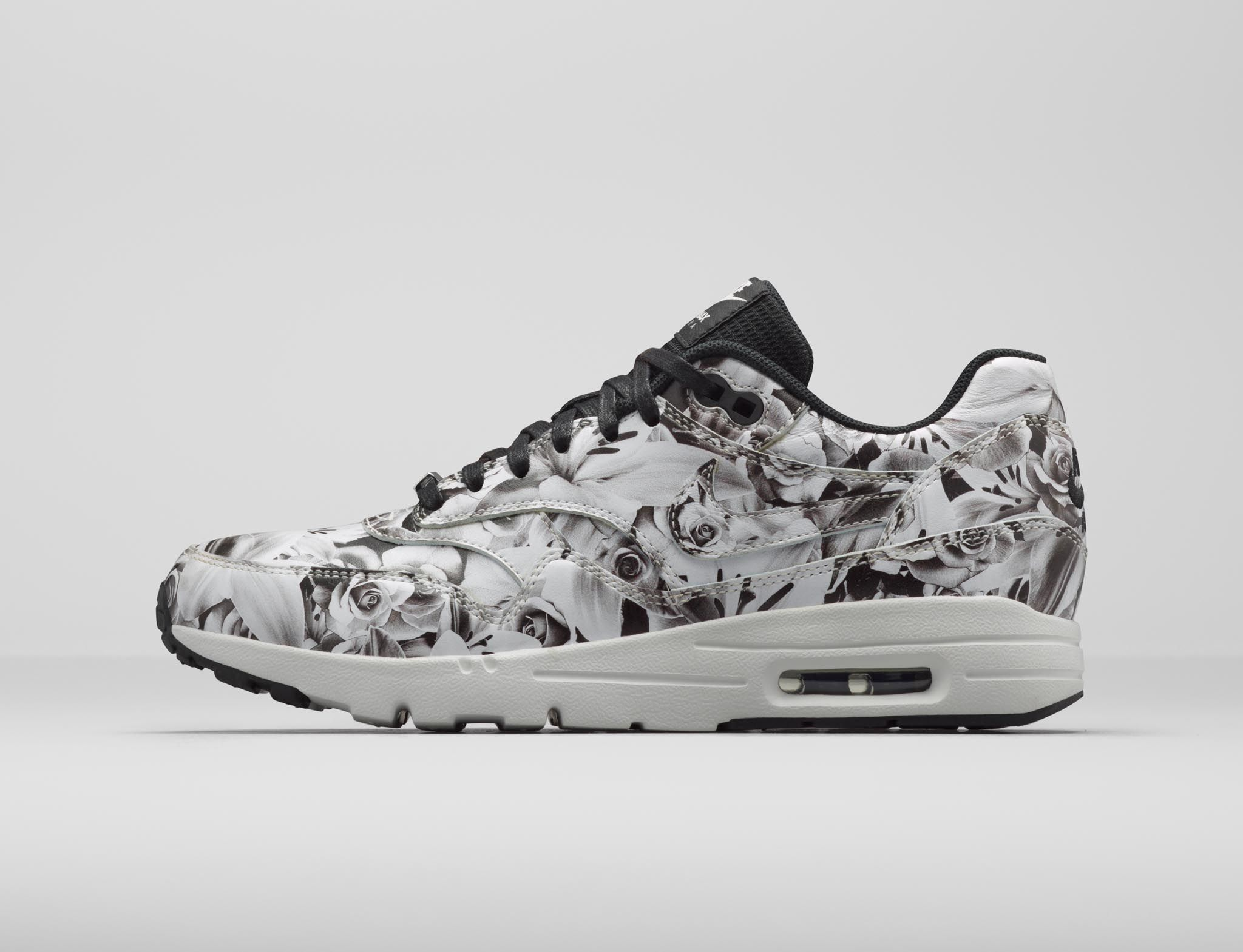 Nike Air Max 1 Hyperfuse Flores Blancas Y Negras