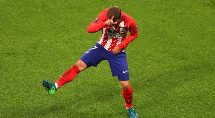 Jogador comemora gol com dancinha de Fortnite