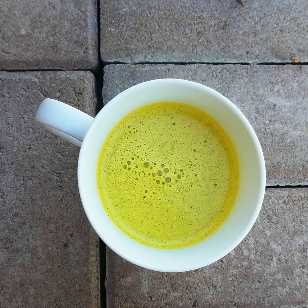 Golden Milk Latte (No Oil!)