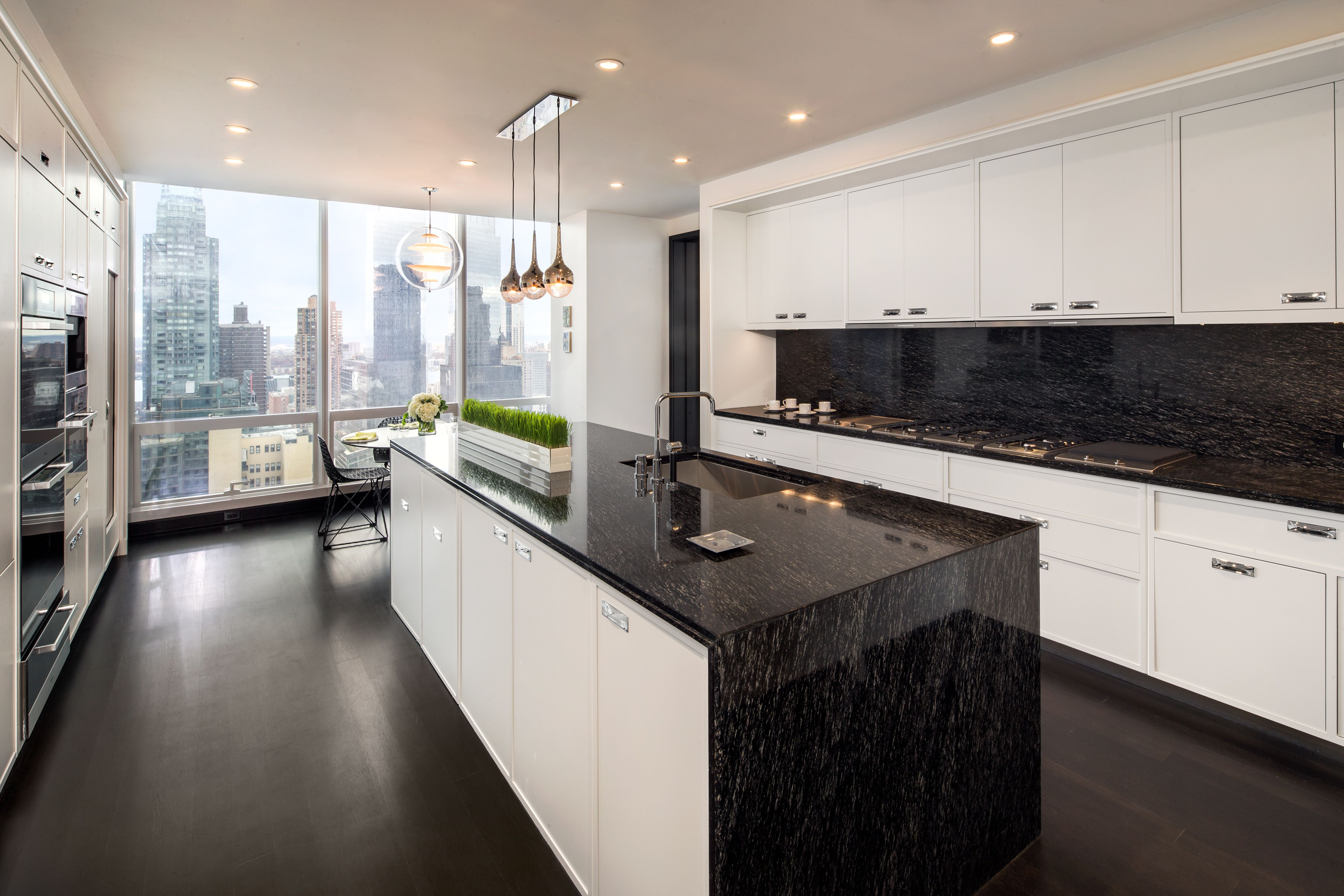 Luxurious Kitchen In One57 Condo Project In New York City One57kitchen Farmhouse Kitchen Design Kitchen Design Small Luxury Kitchen Cabinets