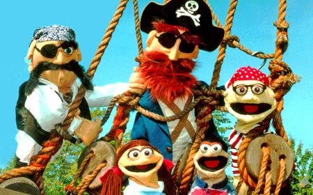 """Everybody Loves Pirates"" by Frogtown Mountain Puppeteers at the Center for Puppetry Arts -- Sept 25-Oct 6, 2013"
