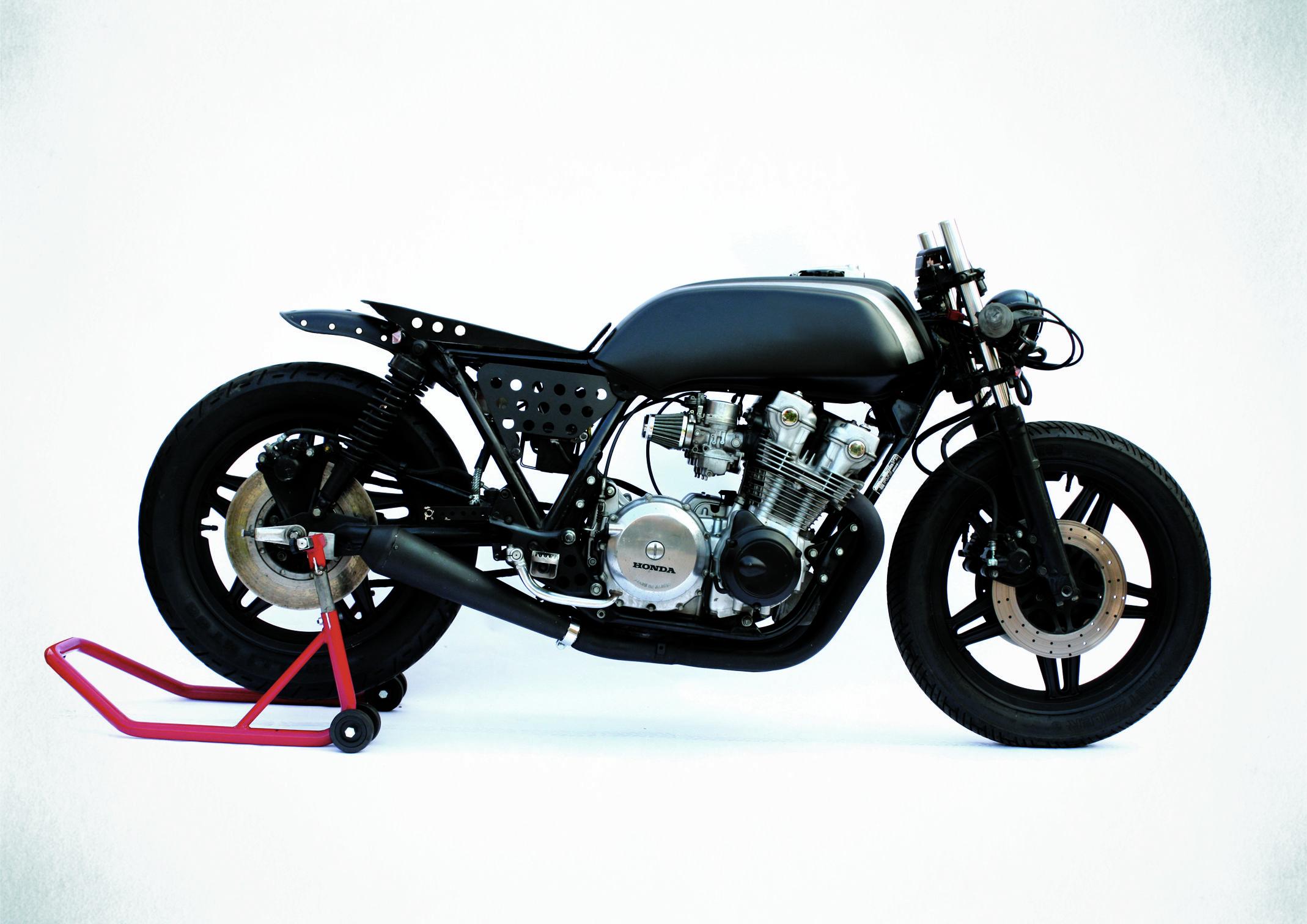 81 Honda Cb750 F Something Wild Anvil Motociclette Honda Cb750 Cafe Racer Motorcycle Motorcycle Design [ 1512 x 2138 Pixel ]