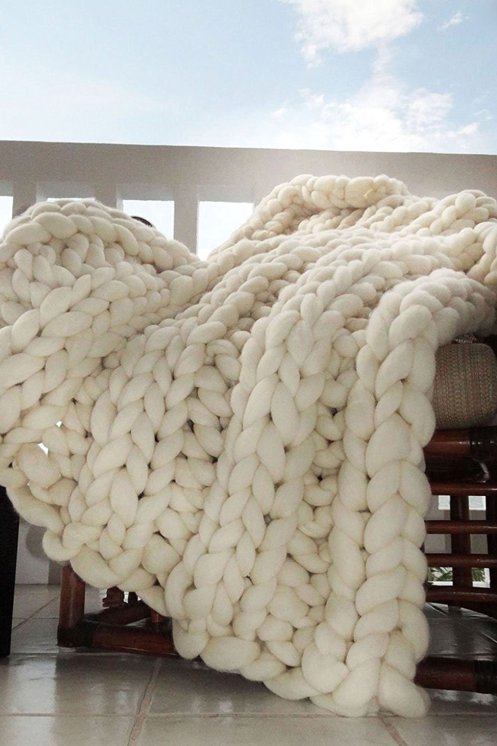 8 Affordable Chunky Knit Blankets You Can Buy On Amazon