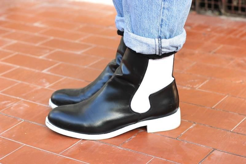 Chiara from Chiara Nasti in the Jeffrey Campbell Chelsea 2 Boot (http://www.nastygal.com/shoes/jeffrey-campbell-chelsea-2-boot)