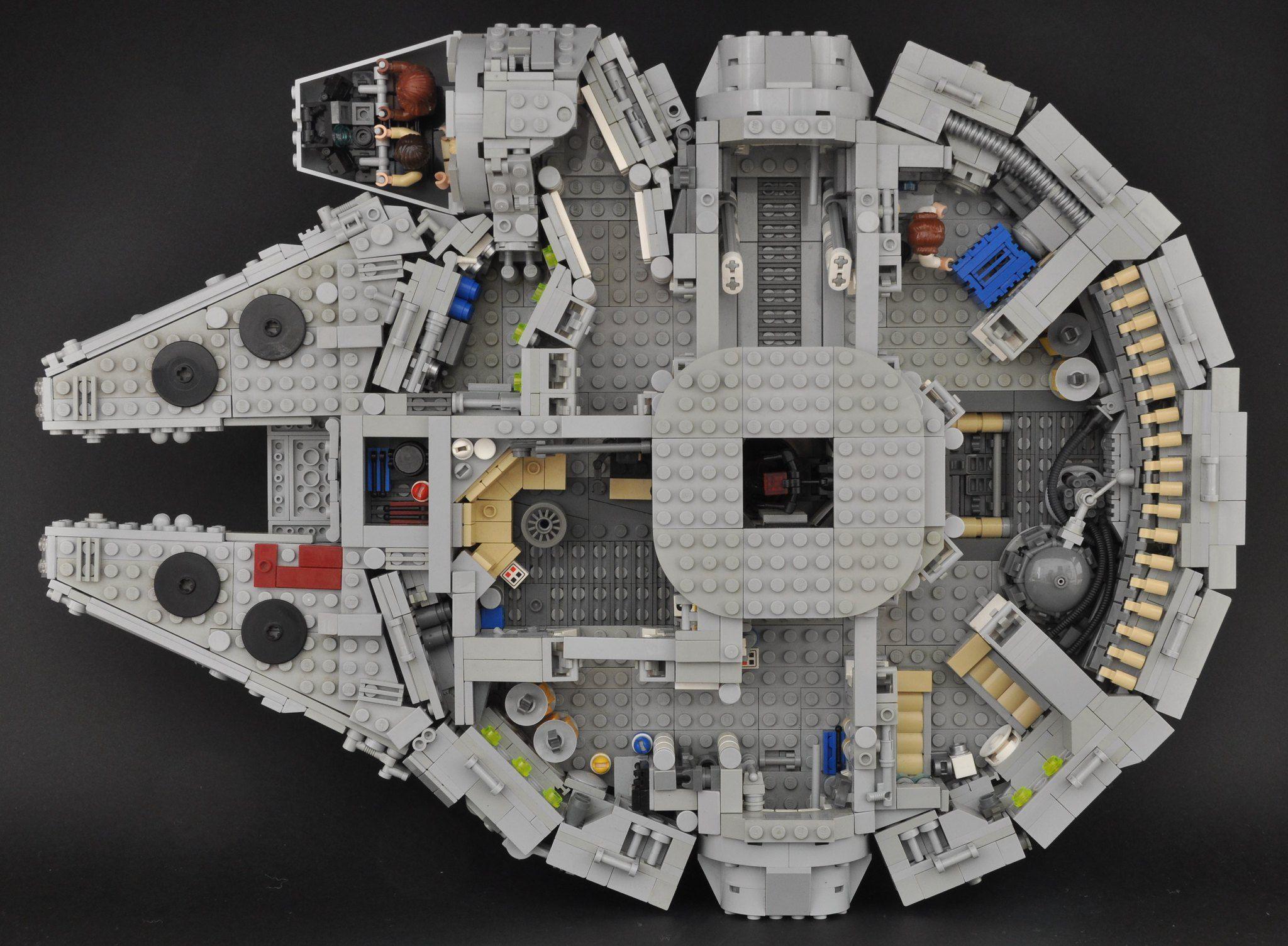 Millennium Falcon Interior Overall In 2020 Millennium Falcon Lego Lego Millenium Falcon Millennium Falcon