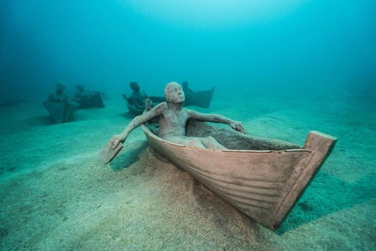 Europes First Underwater Museum Opens Off The Canary Islands - Europes first ever underwater museum is full of hyperrealistic human sculptures