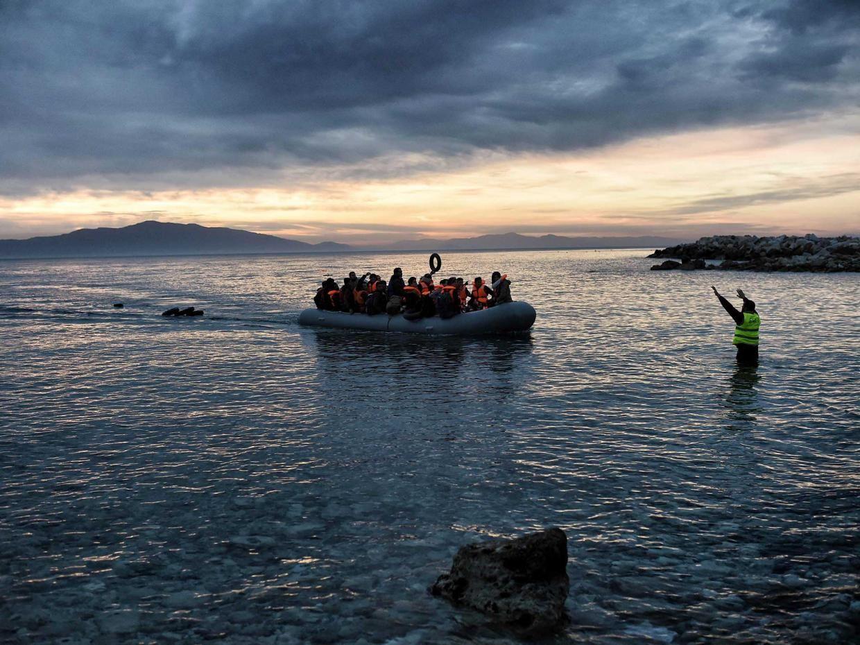 refugees-boat.jpg (1240×930)