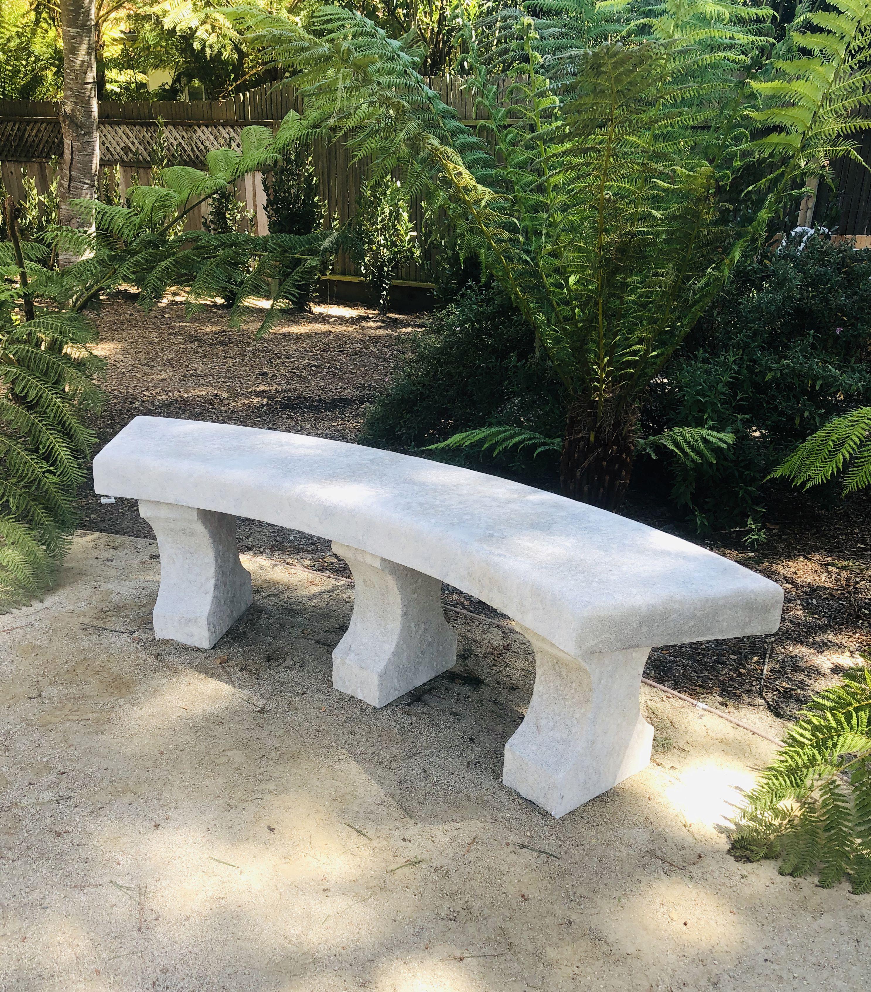 Charmant Banc Incurve En Pierre De Provence Mobilier De Jardin En Pierre Atelier Alain Bidal Mobilier Jardin Banc Jardin Jardins